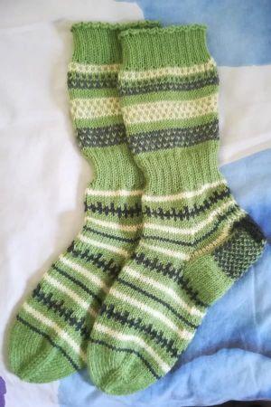 Vihreät ylinilkan sukat